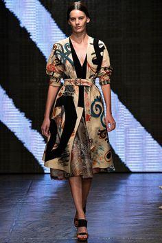 Donna Karan Spring 2015 Ready-to-Wear - New York Fashion Week Donna Karan, Look Fashion, Runway Fashion, Fashion Show, Fashion Design, Fashion Spring, Dolce & Gabbana, Josephine Le Tutour, Dries Van Noten