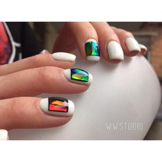 Белый дизайн ногтей, Белый маникюр на короткие ногти, Идеи белого маникюра, Идеи маникюра жидкими камнями, Красивый маникюр 2017, Маникюр для молодых девушек, Маникюр жидкие камни, Маникюр на квадратные ногти