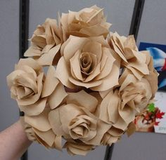 Paper Roses Project for Reception Coffee Filter Roses, Coffee Filter Crafts, Coffee Crafts, Coffee Filters, Rose Crafts, Flower Crafts, Diy Flowers, Fabric Flowers, Wedding Crafts