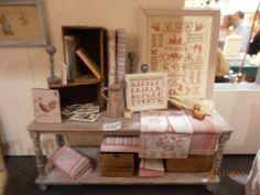 """Table de Drappier  et sa décoration """"Mercerie"""". €109.00, via Etsy."""