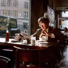 An old man enjoys his coffee and a sandwich in a coffee shop, New York City, 1985. Vintage Photography, Street Photography, Portrait Photography, Cinematic Photography, Photography Series, Urban Photography, Documentary Photography, New York Street, New York City