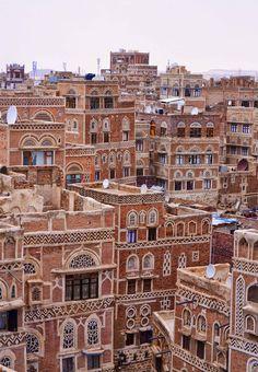 gyclli:   Old Sana'a, Yemen / By Rod Waddington (sana'a is Yemeni capital)