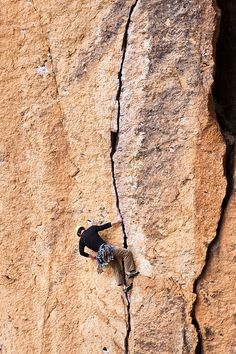 www.boulderingonline.pl Rock climbing and bouldering pictures and news Climbing on up