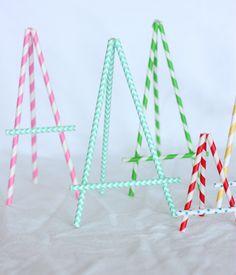 #DIY Paper Straw Easel: to display kids art or menu items....brilliant!