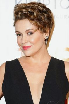 Alyssa Milano attends the 2016 TrevorLive New York event at Marriott Marquis Times Square on June 13 2016 in New York City. Short Curly Hair Updo, Short Wavy Pixie, Curly Hair Styles, Short Bangs, Pixie Cuts, New Short Hairstyles, Messy Hairstyles, Celebrity Hairstyles, Alyssa Milano Hair