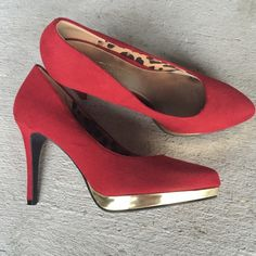 Christian Siriano Red and gold pumps Never been worn gorgeous Christian Siriano for Payless red and gold pumps. The insides are a cute leopard print. Great for the Christmas season! Christian Siriano Shoes Heels