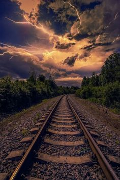 Up track glimpse in 2019 train pictures, train tracks, old trains. Nature Pictures, Cool Pictures, Skier, Train Pictures, Old Trains, Train Tracks, Amazing Nature, Beautiful Landscapes, Background Images