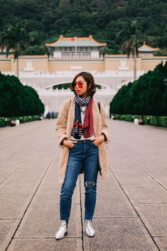 This is one of the outfits i wore during my travel to taiwan japan spring, spri Packing Tips For Travel, New Travel, Packing Hacks, Europe Packing, Packing Lists, Travel Style, Travel Ideas, Winter Travel Outfit, Travel Outfits