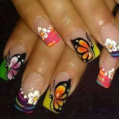 NAILS                                                                                                                                                                                 Más Daisy Nails, Flower Nails, Beautiful Nail Designs, Beautiful Nail Art, Fingernails Painted, Nail Time, Nails Only, Butterfly Nail, Magic Nails