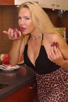 Ugotujecidobrze Olga ( Pоссийская версия)   ПИШИТЕ НАМ И МЫ БУДЕМ В КОНТАКТЕ!!! С огромным удовольствием прочитаем все Ваши комментарии!!! http://vk.com/id266821474 http://www.odnoklassniki.ru/profile/566853698534