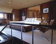 Lovely master suite Luxury Jets, Luxury Yachts, Yacht Builders, Archi Design, Yacht Interior, Aircraft Design, Decorating Small Spaces, Home Bedroom, Bedrooms