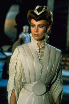 Francesca Annis as the Lady Jessica in David Lynch's Dune. Theatre Costumes, Movie Costumes, Dune Film, Science Fiction, Francesca Annis, Dune Frank Herbert, Dune Art, Dune, Movies