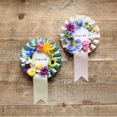 merci (Dying of cute) Diy And Crafts, Arts And Crafts, Paper Crafts, Fabric Flowers, Paper Flowers, Ribbon Rosettes, Paper Rosettes, Handicraft, Making Ideas