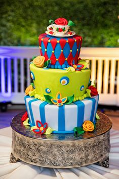 Feast your eyes on this fun Alice in Wonderland inspired cake at the Rose Court Garden in Disneyland