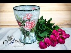 This tutorial will show you step by step how to decoupage with rice paper on glass. I used glass flower vase, rice paper and PVA glue. Decoupage Glass, Decoupage Furniture, Decoupage With Napkins, Paper Napkins, Mod Podge Crafts, Dyi Crafts, Decoupage Tutorial, Diy Tutorial, Glass Flower Vases