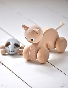 WOODEN TOYS FROM SARAH & BENDRIX | THE STYLE FILES  //admired by http://www.truelatvia.com