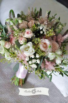 rustykalny bukiet ślubny eustoma róża tawułka rustykalny ślub rustic wedding bouquet Nature Gif, Nature Videos, Wedding Bouquets, Wedding Dresses, Floral Event Design, Wedding Inspiration, Wedding Ideas, Floral Wreath, Spring Weddings