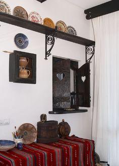 Anca Ciuciulin își găsește inspirația în casa ei tradițional românească | Adela Pârvu – jurnalist home & garden Decor, Furniture, House Design, House, Interior Decorating, Interior, Home, Rustic Decor, Interior Design