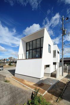 커다란 창으로 바닷가 풍경을 포착하다, 수평선의 집 (출처 Juhwan Moon)