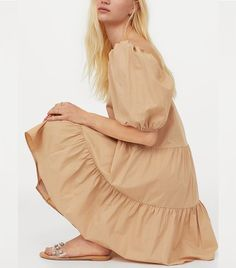 This H&M puff-sleeve dress looks so good and is super affordable, but it won't stick around for long. Dress Over Jeans, Short A Line Dress, Tiered Skirts, 2020 Fashion Trends, Dress With Sneakers, Who What Wear, Affordable Fashion, Cold Shoulder Dress, Dresses With Sleeves