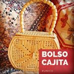 Que opinas de este bolso ? Sinónimo de elegancia y originalidad , no te quedes sin el tuyo ! #bolsosartesanales # bolsos #artesanos #tiendaonline #medellin Straw Bag, Instagram, Elegance Fashion, Purses, Crates, Totes