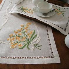 Embroidery Motifs, Cross Stitch Embroidery, Cross Stitch Patterns, Embroidery Designs, Brazilian Embroidery, Irish Lace, Cotton Bedding, Needlepoint, Art For Kids