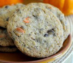 Black and Orange Halloween Chocolate Chip Cookies | Baking Bites