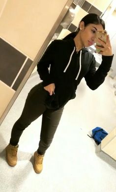 Glo_gang0 Instagram-glo_gangg0 & nashantiii☺ Chill Outfits, Dope Outfits, Swag Outfits, Trendy Outfits, Fashion Outfits, Pants For Women, T Shirts For Women, College Outfits, Fall Winter Outfits