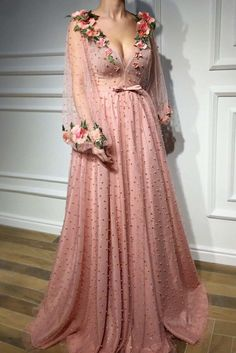 Buy Floral Long Sleeve Pink Prom Dresses, Pearl Beaded V Neck Formal Dresses uk in uk.Rock one of the season's hottest looks in a burgundy homecoming dress or choose a timeless classic little black dress. Formal Dresses Uk, Fancy Prom Dresses, Burgundy Homecoming Dresses, V Neck Prom Dresses, Tulle Prom Dress, Pretty Dresses, Beautiful Dresses, Casual Dresses, Party Dress