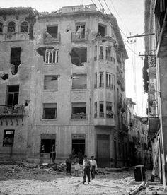 Belchite, momentos después de un bombardeo (fotografía de la época)