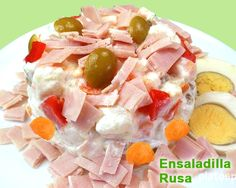 ensaladilla de jamón york Fruit Salad, Food, Olivier Salad, Salads, Best Recipes, Food Recipes, Fruit Salads, Meals