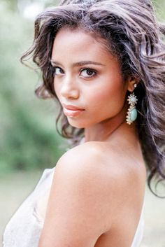 chic 'barely there' bridal make up & turquoise statement earrings / Brian LaBrada Photography