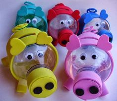 Water bottle piggy banks - need to translate. Soda Bottle Crafts, Plastic Bottle Crafts, Recycle Plastic Bottles, Pig Crafts, Diy And Crafts, Crafts For Kids, Paper Crafts, Easy Christmas Crafts, Summer Crafts