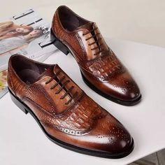 Men Crocodile Embossing PU Leather Non Slip Retro Shoes Church's Shoes, Kicks Shoes, Lace Up Shoes, Dress Shoes, Casual Leather Shoes, Suede Leather Shoes, Pu Leather, Trendy Mens Shoes, Mens Fashion Shoes
