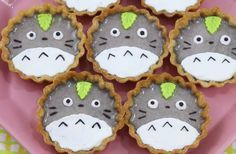 Drop Dead Cute - Kawaii for Sexy Ladies: Totoro Tart Making! Totoro, Japanese Sweets, Japanese Candy, Dessert Kawaii, Kawaii Cooking, Cute Baking, Cute Desserts, Tart Recipes, Food Humor