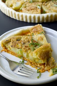 Fried Green Tomato and Pimento Cheese Tart..  .....holy chit!!! Two of my most favorite things in the world combined? I gotta try this!
