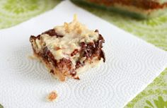 It Bakes Me Happy: Chocolate Almond Macaroon Bars