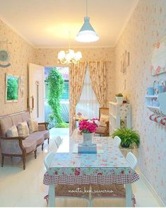 Desain Ruang Tamu Sederhana Mungil Kecil Shabby Chic Little Palace Pinterest Shabby Interiors And Living Rooms