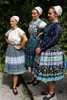 Folk Costume, Costumes, Tribal Dress, Ethnic Fashion, Traditional Dresses, Kids Wear, Costume Design, Montessori, Landscapes