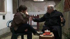 """A diretora Maria Clara Escobar e o pai, Carlos Henrique Escobar, em cena de """"Os Dias com Ele"""""""
