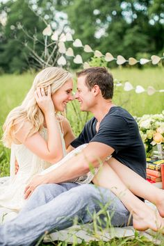 Private Picnic Engagement Session designed by Lovewell Design and photographed by Leo Timoshuk Photography.