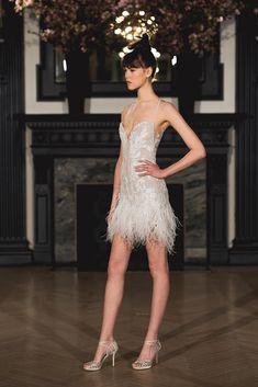 Ines di Santo Modern Romance Bridal Collection #2019weddingtrends #bridalfashiontrends #fashionforwardweddingdresses