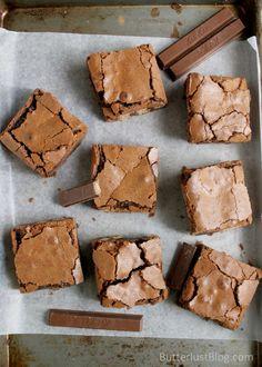 Ooey Gooey Kit Kat Caramel Brownies | butterlustblog.com