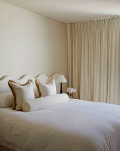 Woollahra House — Phoebe Nicol Interior Architecture Bedhead Design, Parisian Bedroom, Master Bedroom, Bedroom Decor, White Bedroom, Bedroom Ideas, Interior Architecture, Interior Design, Cool Beds