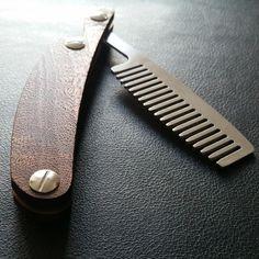 Razor Comb Premium - Stainless steel comb with wood handle integrated bottle opener