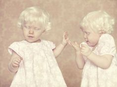 Brazilian Photographer Gustavo Lacerda's Stunning 'Albinos' Series (PHOTOS)