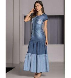 I would prefer a higher waist. ----- -Vestido Jeans Longo - Raje Jeans - Moda Evangélica e Roupa Evangélica: Bela Loba Denim Maxi Dress, Denim Skirt Outfits, Jeans Dress, Dress Outfits, Fall Fashion Outfits, Denim Fashion, Modest Fashion, Fashion Dresses, Modest Dresses