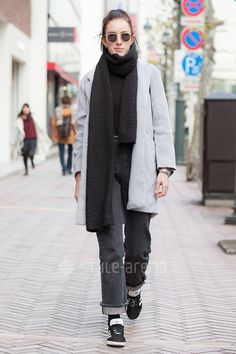 Naomi | BROWNY American Apparel  URBAN RESEARCH Ray-Ban adidas | 5th week  Jan. 2017 | Shibuya | Tokyo Street Style | TOKYO STREET FASHION NEWS | style-arena.jp