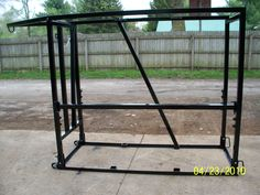 T K Welding Cattle grooming chutes 4H