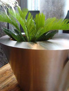 DeCastelli planter/table, Marc Hall Objekt - Boston, MA